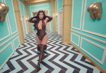 H Kylie Jenner έκανε σέξι εμφάνιση - έκπληξη στο νέο βίντεο της Cardi B - Κεντρική Εικόνα